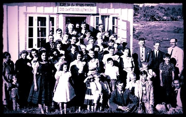 Igreja mórmon. Mormonismo no Brasil. Mórmons. Santa Catarina. Alemão.