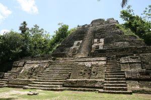 Templo de Lamanai, visão principal