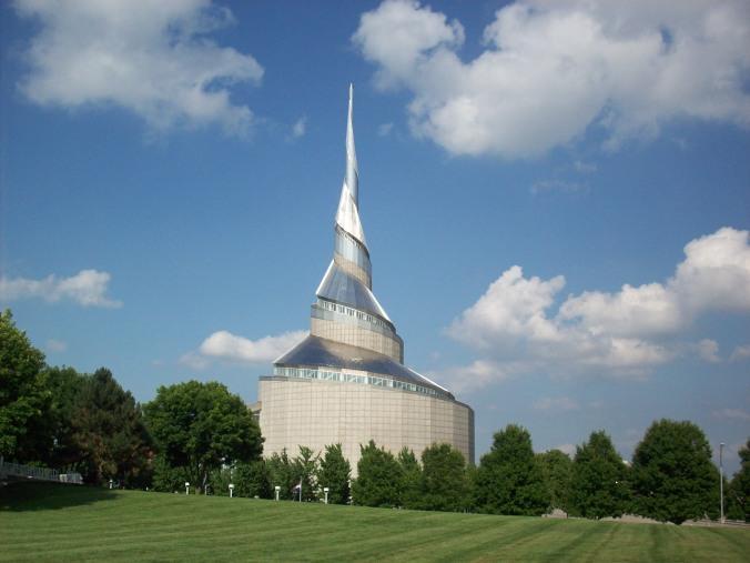 Templo de Independence, Missouri. Terreno escolhido pelo Profeta Joseph Smith para marcar o centro de Sião, ou Nova Jerusalém.