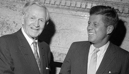 Presidente da Igreja SUD David O. McKay em momento descontraído com o Presidente dos EUA John F. Kennedy