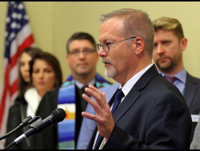 Senador Stephen Urquhart, Republicano de St. George, Utah, critica Igreja SUD por se opor à legislação que protege minorias contra discriminação (Foto: Ravell Call, Deseret News)